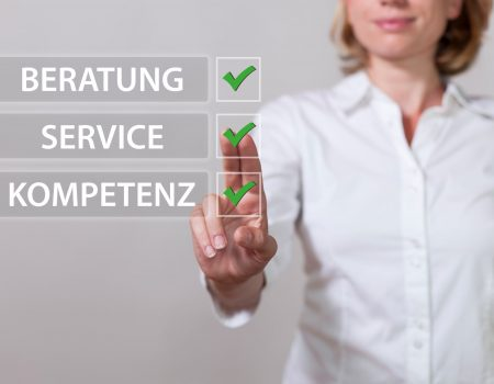 "Blue german text ""Beratung, Kompetenz, Service"", translate ""Consulting, Expertise, Service""."